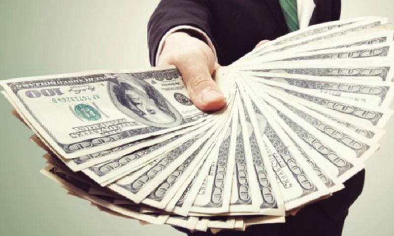 Mơ thấy có người cho tiền là điềm lành hay dữ? Ngủ mơ thấy có người đưa tiền giấy cho mình