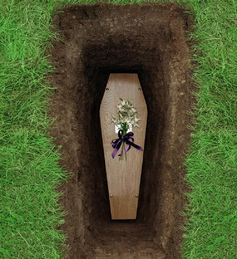 Mơ thấy người chết nằm trong quan tài sống lại