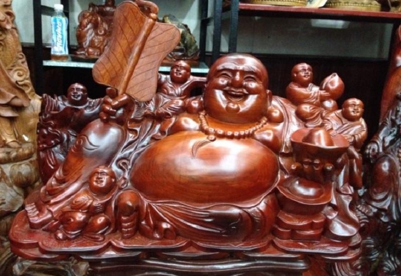 Đồ phong thủy nên đặt trong nhà. Tượng Phật Di Lạc