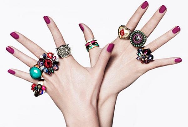 Gợi ý cách đeo nhẫn phong thủy hợp mệnh, thăng tiến rộng mở. Nhẫn nên đeo ngón nào? Hướng dẫn chọn nhẫn phong thủy hợp mệnh.