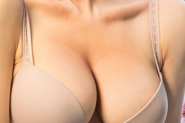 Tướng phụ nữ có nhu cầu cao, ngực nở tròn đầy
