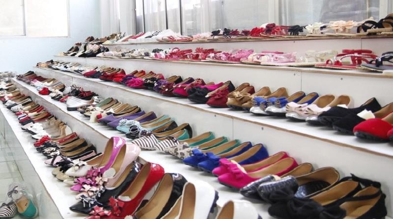Mơ thấy giày dép là điềm gì? Mơ thấy nhiều giày dép