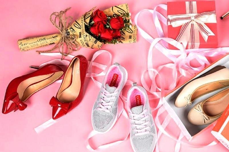 Mơ thấy giày dép là điềm gì? Mơ thay giày dép mới