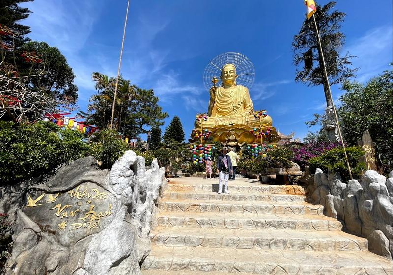 Các ngôi chùa đẹp nhất Đà Lạt. Thiền viện Vạn Hạnh
