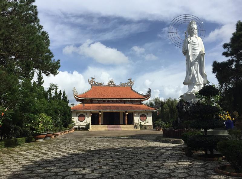 Đà Lạt có những ngôi chùa nào đẹp, nổi tiếng? Chùa Ni Phước Huệ