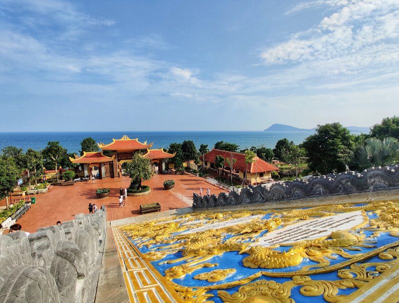 Những ngôi chùa đẹp ở Phú Quốc nổi tiếng, lớn nhất. Phú Quốc có chùa nào? Trúc Lâm Hộ Quốc