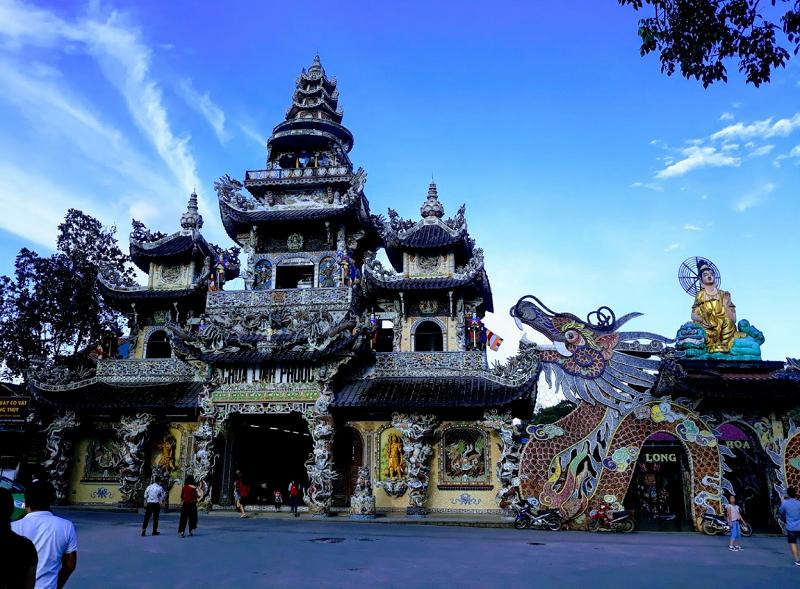 Những ngôi chùa nổi tiếng ở Đà Lạt hiện nay. Đà Lạt có chùa nào linh thiêng? Chùa Linh Phước